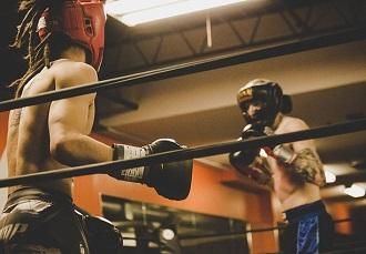 Boxning, styrketräning och crosstrainer är det som gäller nu
